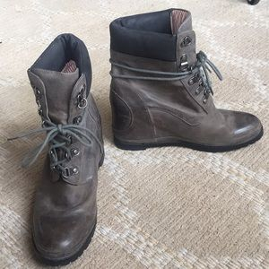 80 20 Gray Leather Hidden Heel Combat Boots